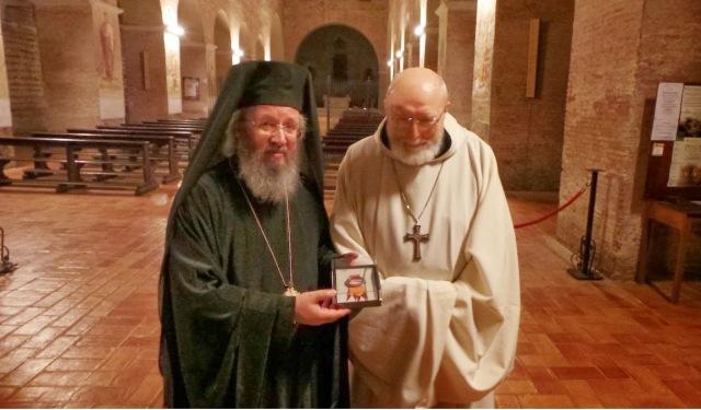 Δωρεά λειψάνου του Αγίου Αναστασίου του Πέρσου στην Εκκλησία της Ελλάδος http://leipsanothiki.blogspot.be/